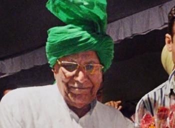 10-ம் வகுப்பு தேர்வு எழுதிய ஓம்பிரகாஷ் சவுதாலா, +2 தேர்ச்சி பெற்ற அதிசயம்!