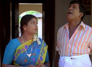 'ச்சும்மா பேசிக்கிட்டிருந்தேன் மாமா..!' தலையாட்டும் மேஜிக் தலைகாக்கும்! #RelationshipGoals
