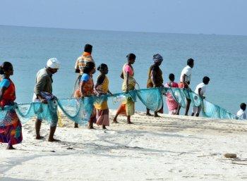 குமரி மாவட்டத்தில் கடலில் மீன்பிடிக்கத் தடை!