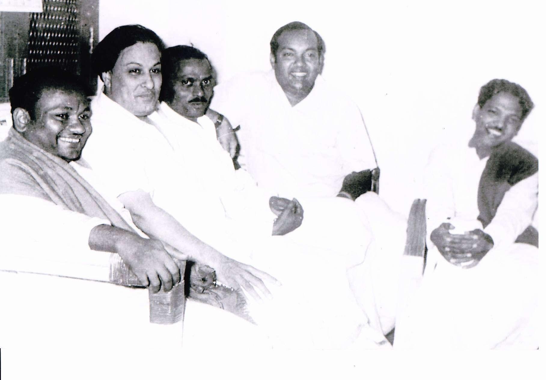 எம்.ஜி.ஆர்., கருணாநிதி, கண்ணதாசன்.