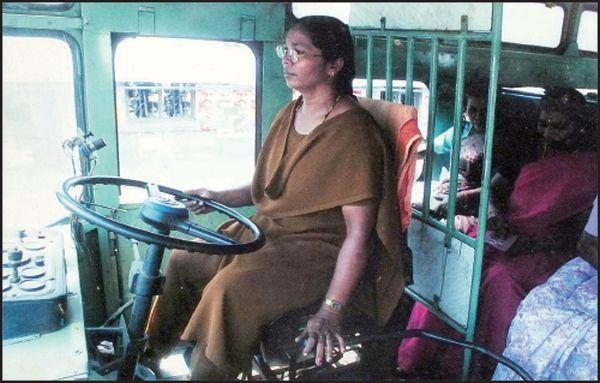 ஆசியாவின் முதல் பெண் பேருந்து ஓட்டுநர் வசந்தகுமாரி