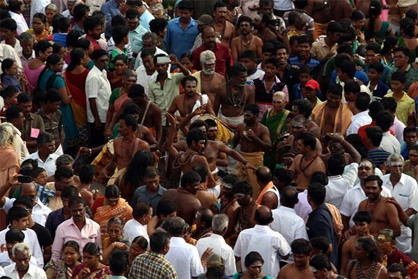 திருவாரூர் பக்தர்கள்