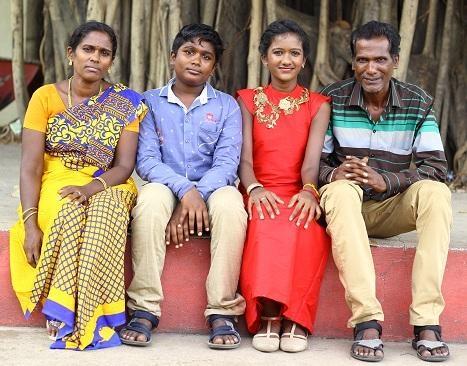 ப்ரித்திகா குடும்பத்தினரோடு