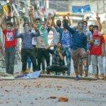 ஸ்ரீநகரில் ரம்ஜான் தொழுகைக்குப் பின்னர்  கல்லெறித்  தாக்குதல்