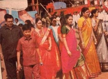 ஜெயக்குமார் Vs சசிகலா! சசிகலா, ஜெயலலிதாவின் உடன்பிறவாச் சகோதரியான கதை, அத்தியாயம் - 48