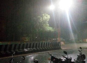'சில்லுனு ஒரு சென்னை'.. இரவு முதல் பரவலாக மழை!
