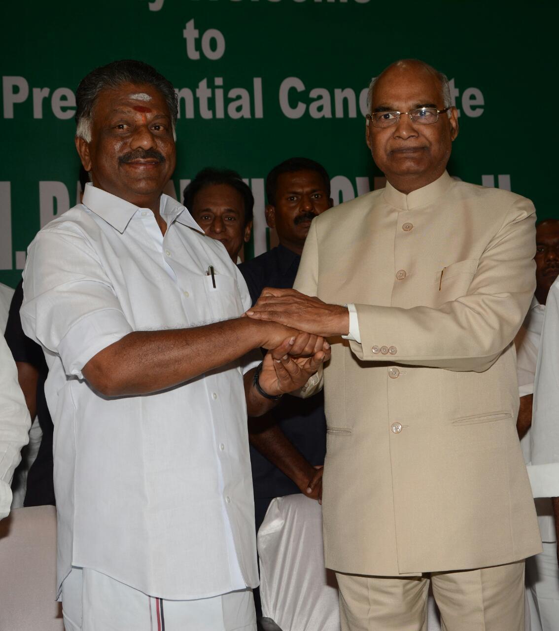 ஓ.பன்னீர்செல்வத்துடன் ராம்நாத் கோவிந்த்