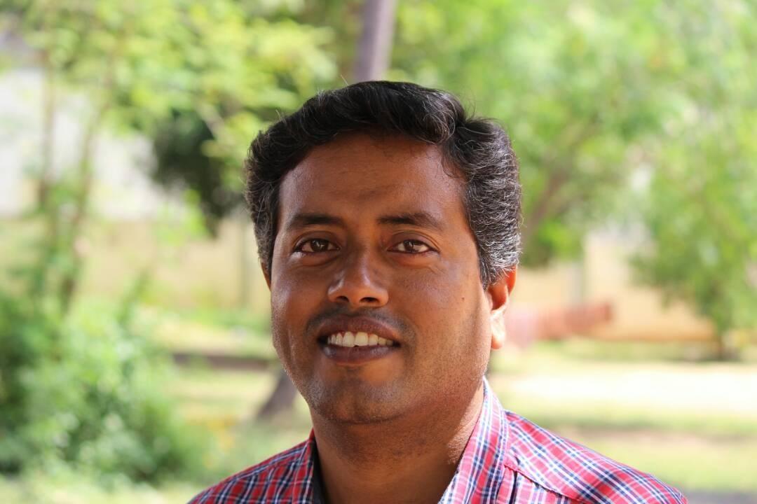 மருத்துவர் செந்தில் கருணாகரன்