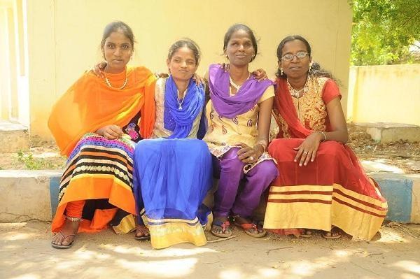 நம்பிக்கை மனுஷிகள்