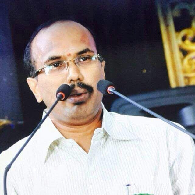 கரூர் மாவட்ட வருவாய் அலுவலர் சூர்யப்பிரகாஷ்