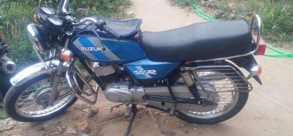 சுஸூகி மேக்ஸ் 100