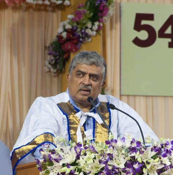 ஆதார் நிறுவன முன்னாள் சேர்மன் நந்தன் நீல்கேனி