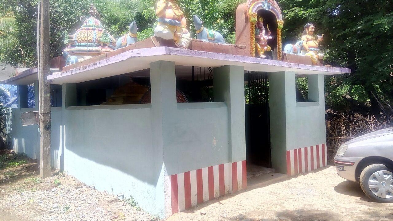 மஹா பெரியவர் கோயில்