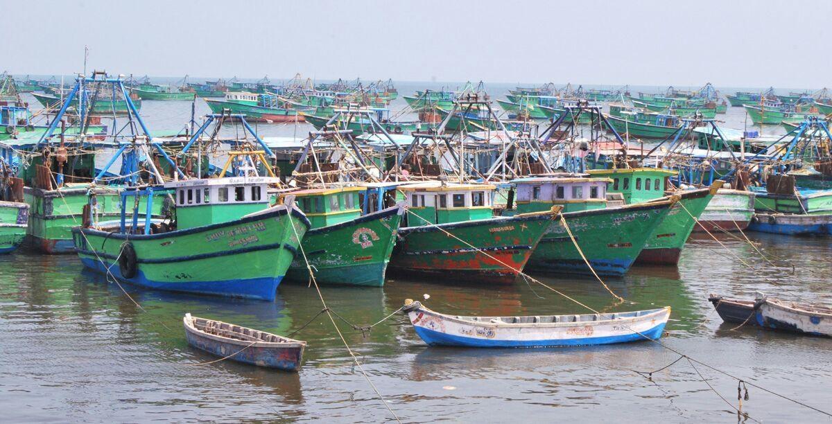 தமிழக மீனவர்கள் மீன்பிடி படகுகள்