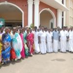 'கலெக்டர் சார்... எங்க ஊருக்கு டாஸ்மாக் வேண்டும்': தங்க தமிழ்நாட்டில் இப்படியும் ஒரு கிராமம்!