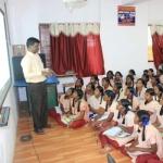 நீட் தேர்வுக்கு நீட்டா ஒரு சி.டி: அரசுப் பள்ளி ஆசிரியரின் முயற்சி!