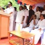 சர்வாதிகாரியாக இருந்தாலும் ஜெயலலிதா...ஜெயலலிதாதான்... கதிராமங்கலத்தில் ஸ்டாலின் புகழாரம்...!