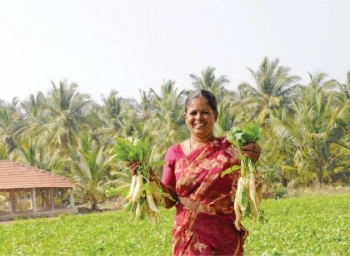 Vegetables through crop rotation... Rs. 5 lakhs profit from one acre!