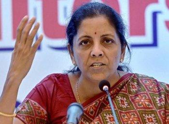 'அமெரிக்காவுடன் விசா பிரச்னை குறித்து பேசிக் கொண்டுதான் இருக்கிறோம்' - நிர்மலா சீதாராமன்
