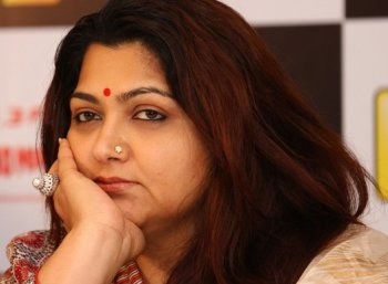 'பிடித்தவர்களுடன் பேச முடியவில்லை!'  - ட்விட்டருக்கு குட்பை சொன்ன நடிகை குஷ்பு