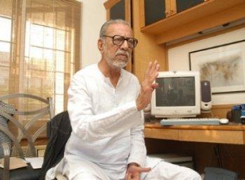 கமல்ஹாசன் குறித்து அவரது சகோதரர் சாருஹாசன் பரபர கருத்து..!