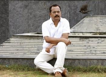 'இது ஊழல் ஆட்சி இல்லை எனில், வேறு எது?' - கமலை ஆதரிக்கும் சாரு நிவேதிதா
