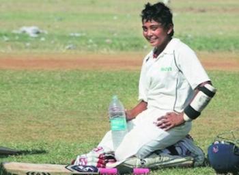 முதல் இன்னிங்ஸில் 519 ரன்... இங்கிலாந்தில் கலக்கும் இளம் இந்தியப் படை..! #U19Cricket