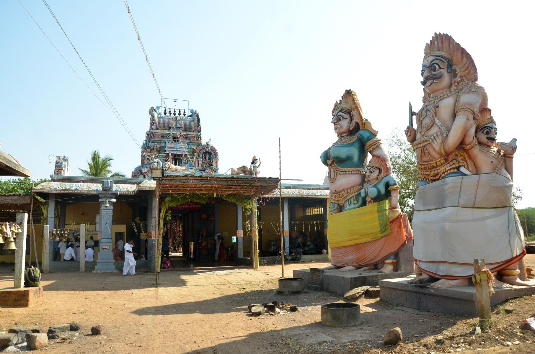 சாதி - கோயில்