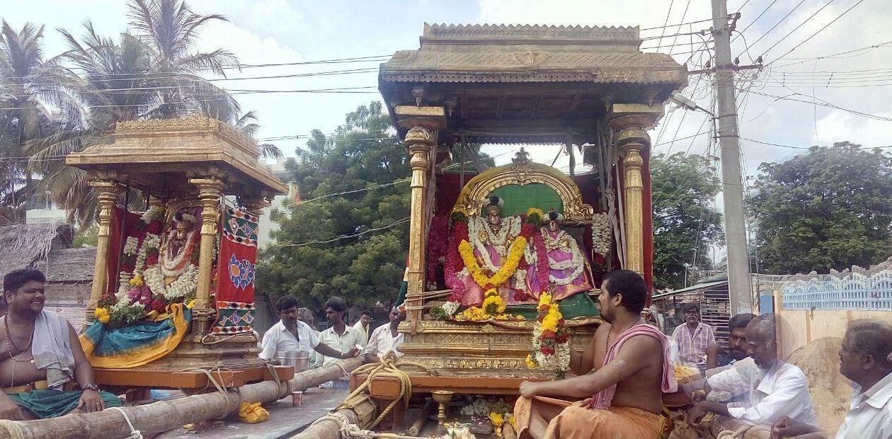 ராமநாதசுவாமி அம்பாள் மண்டகப்படிக்கு எழுந்தருளல்