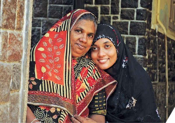 ஆயிஷா - விமானத்தில் பிறந்த பெண்