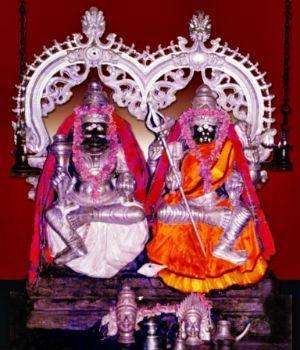 முத்தாரம்மன்- ஞானேஸ்வரர்