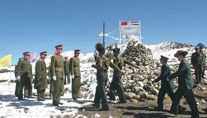 போர் ஆயத்தப் பணிகளில் இந்திய வீரர்கள்