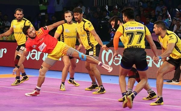 Pro Kabaddi Season 5: Gujarat Fortunegiants Vs Telugu Titans