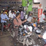 தினசரி விலை ஏறும் பெட்ரோல்... என்னதான் நடக்கிறது? #PetrolPriceHike