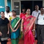 உயரதிகாரிகளைக் கண்டித்து கறுப்பு பேட்ஜ் அணிந்த ஊரக வளர்ச்சித்துறை அதிகாரிகள்