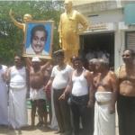 சிவாஜி சிலை அகற்றத்தைக் கண்டித்து காங்கிரஸார் அரை நிர்வாணப் போராட்டம்!