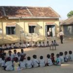 இந்தியாவில் 37 சதவிகிதத்துக்கும் அதிகமானபள்ளிகளில் மின்சாரம் இல்லை!
