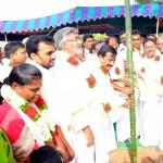 'தினகரனைப் பற்றி எதுவும் கேட்காதீர்கள்': மிரண்டு ஓடிய அமைச்சர்கள்