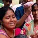 """""""மாட்டின் மீதான அக்கறை, சிசுக்கள் மீது கிடையாதா?!"""" நெஞ்சு பொறுக்குதில்லையே #GorakhpurTragedy"""