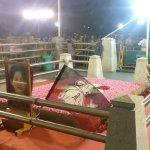 அ.தி.மு.க தலைமை அலுவலகத்துக்கு செல்கின்றனர் ஓ.பி.எஸ், ஈ.பி.எஸ்: அணிகள் இணைப்பு #LiveUpdate