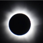 சூரிய கிரகணத்தின்போது வெளிப்படும் புற ஊதாக்கதிர்களால் உடல்நலம் பாதிக்குமா? #SolarEclipse