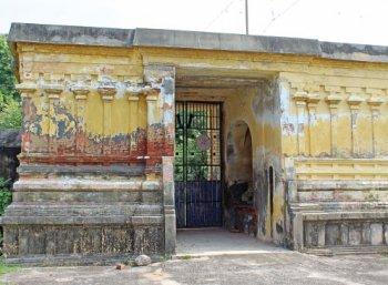 சிலை கடத்தலில் சிக்கிய அறநிலையத்துறை அதிகாரிகள்! #VikatanExclusive