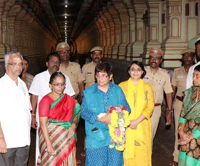 ராமேஸ்வரம் கோயிலில் கிரண்பேடி
