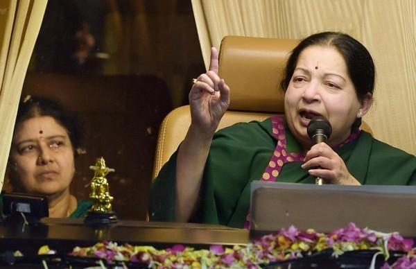 ஜெயலலிதா-  சசிகலா