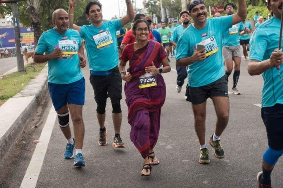 Marathon racer in Sari