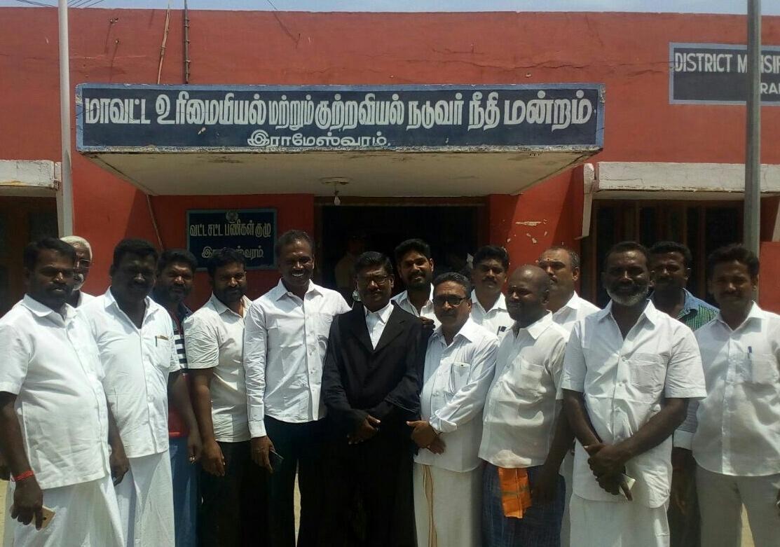 ராஜபக்சே உறவினர் மீது தாக்குதல் நடத்த முயன்றவர்கள் விடுதலை