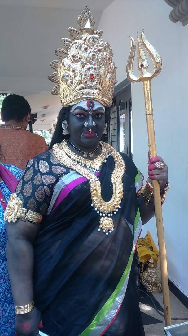 கருமாரியம்மன் வேடம்