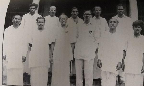 விவசாய சங்கத்தினருடன் பி.சீனிவாசராவ்