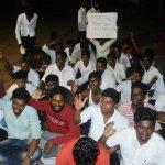 சென்னை சட்டக் கல்லூரியில் நள்ளிரவு முதல் ஆரம்பித்த உள்ளிருப்புப் போராட்டம்! #NEET
