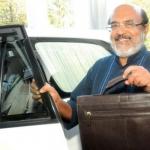 கேரள நிதி அமைச்சருக்கு ,லாட்டரியில் 500 ரூபாய் பரிசு